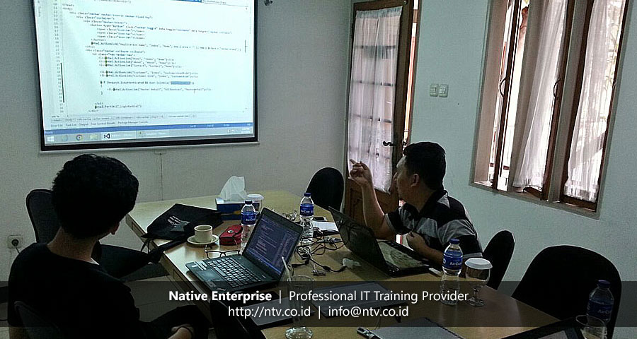"Training ""Developing Web Application Using ASP.NET MVC 5"" bersama JNE"