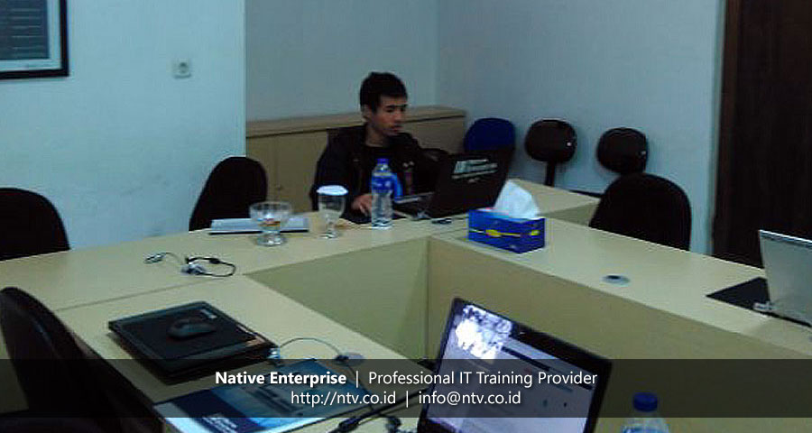 "Training ""Building PHP Web Application Using Yii"" bersama PT Jakarta Industrial Estate Pulogadung"
