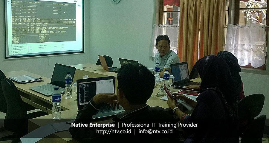 "Training ""Oracle 12c Introduction to SQL"" bersama Dinas Kependudukan dan Pencatatan Sipil Jabung Timur"