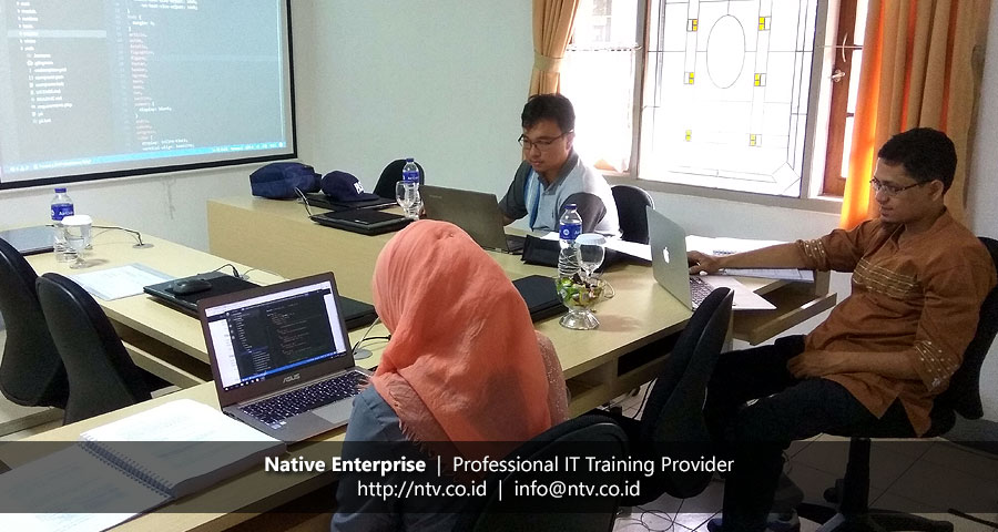 "Training ""Building PHP Web Application using Yii 2"" bersama Universitas Andalas"