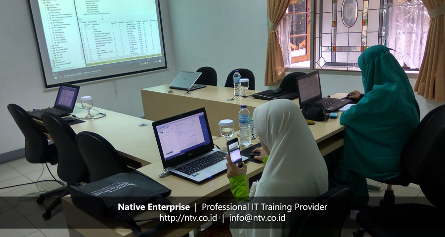 "Training ""SQL Server Introduction to SQL Server Database"" bersama RSUD Arifin Achmad"