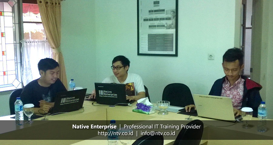Training Developing Web App using ASP.NET MVC bersama Sakuratex dan Petrokimia Gresik
