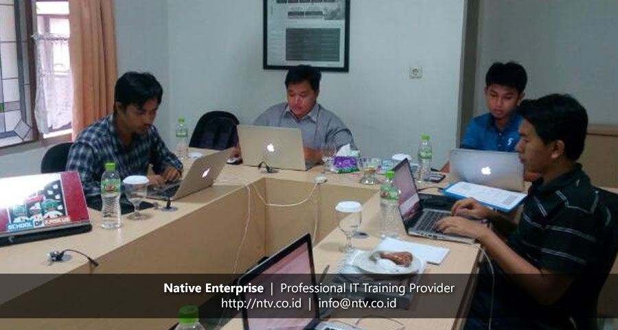 Training iOS Apps Development using Swift bersama Pusri, Wijaya Karya, dan WiKA Realty