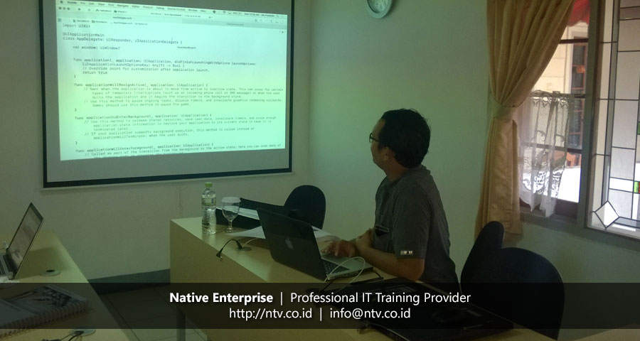 "Training ""iOS Application Development using Swift"" bersama Kalangan Personal"