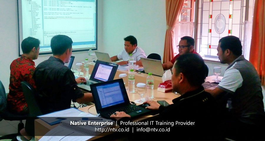 "Training ""Oracle Introduction to SQL"" bersama Pelindo II"