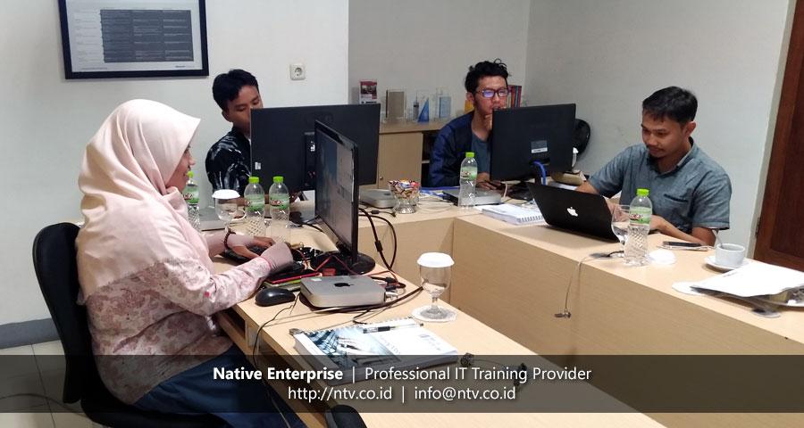 """Training """"iOS App Development using Swift"""" bersama Dwidasa Samsara Indonesia"""