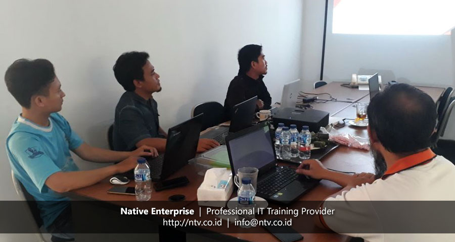 """In-House Training """"Building PHP Web Application using CodeIgniter"""" bersama Torche Indonesia"""