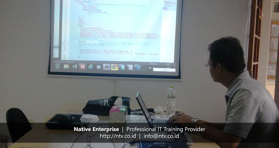 "Training ""Building PHP Web Application using Yii Framework"" bersama Direktorat Usaha Hutan Produksi"