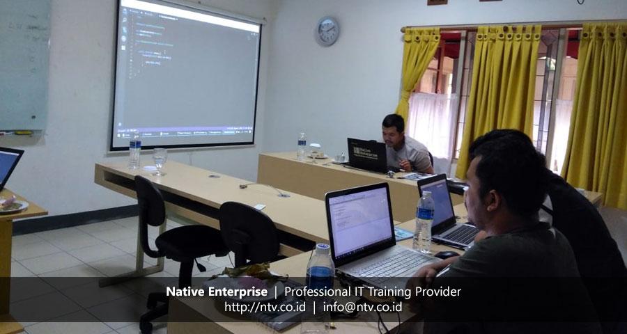 "Training ""Building PHP Web Application using Laravel"" bersama Disdukcapil Kota Tangerang"