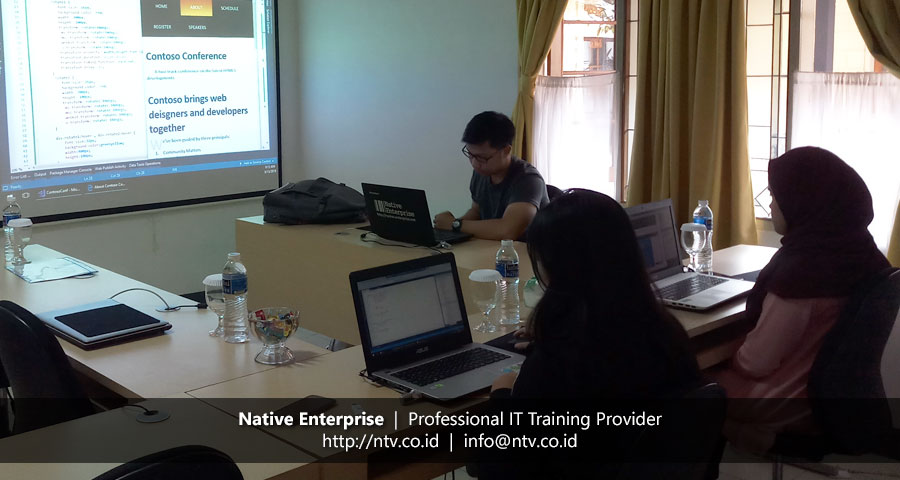 "Training ""Web Development using HTML5, CSS3, and JavaScript"" bersama Bio Farma dan UDrive"