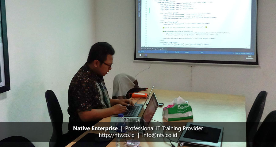 "Training ""Full Stack Web Development with ASP.NET Core"" bersama Diskominfoarpus Kota Cimahi"