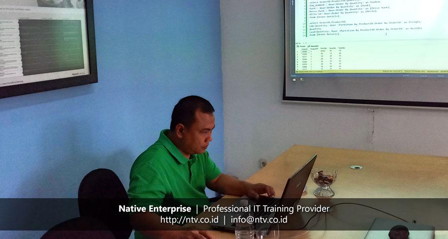 "Training ""SQL Server Transact SQL Programming"" bersama Bank Syariah Mandiri"